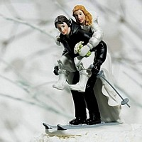 Skiing Couple Winter Wedding Cake Topper