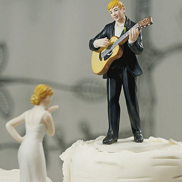 'Love Serenade' Guitar Playing Groom Figurine