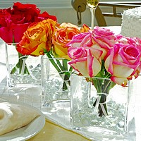 Vases, candles and other wedding table centerpiece ideas
