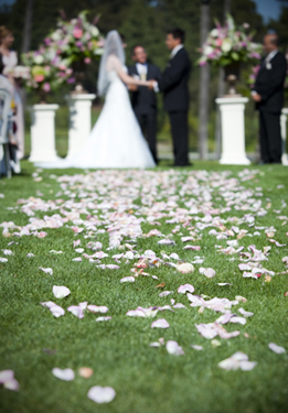 The History of American Wedding Ceremony Traditions