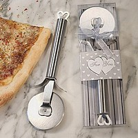 Stainless steel pizza cutter favors packaged in decorative gift box