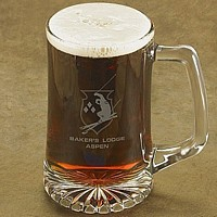 Laser-etched skier design beer mug with two lines of custom print