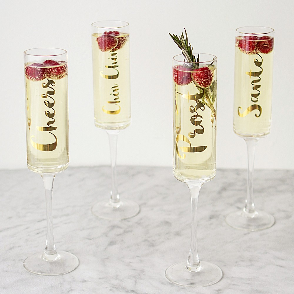 8 oz. gold cheers champagne flutes with berries