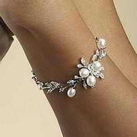 Freshwater pearls and cubic zironia leaf bracelet